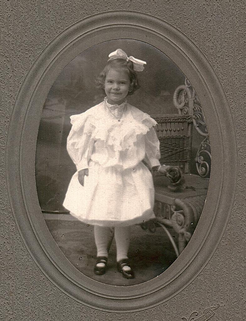 Hazel, age four (1906)